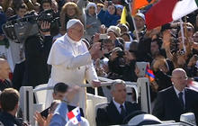 Pope Francis takes first ride in his open-top jeep