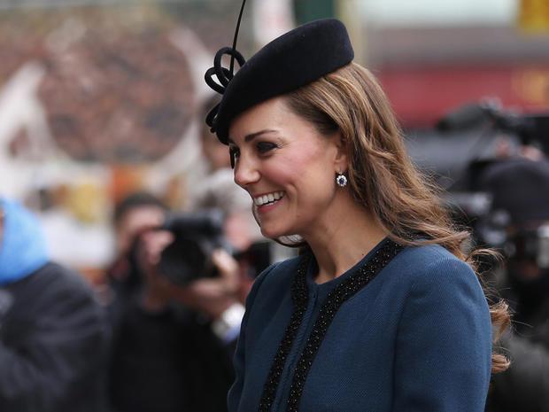 Queen, Kate mark London Underground anniversary