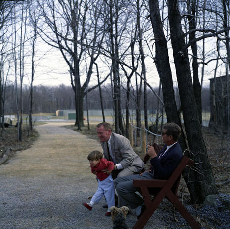 Rare photos of the young Kennedy family