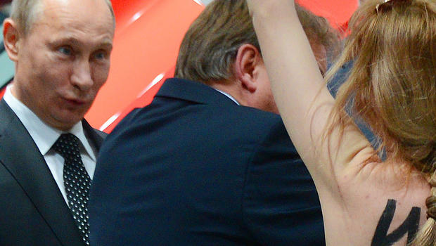 Topless protest an eye-opener for Putin! Russian president