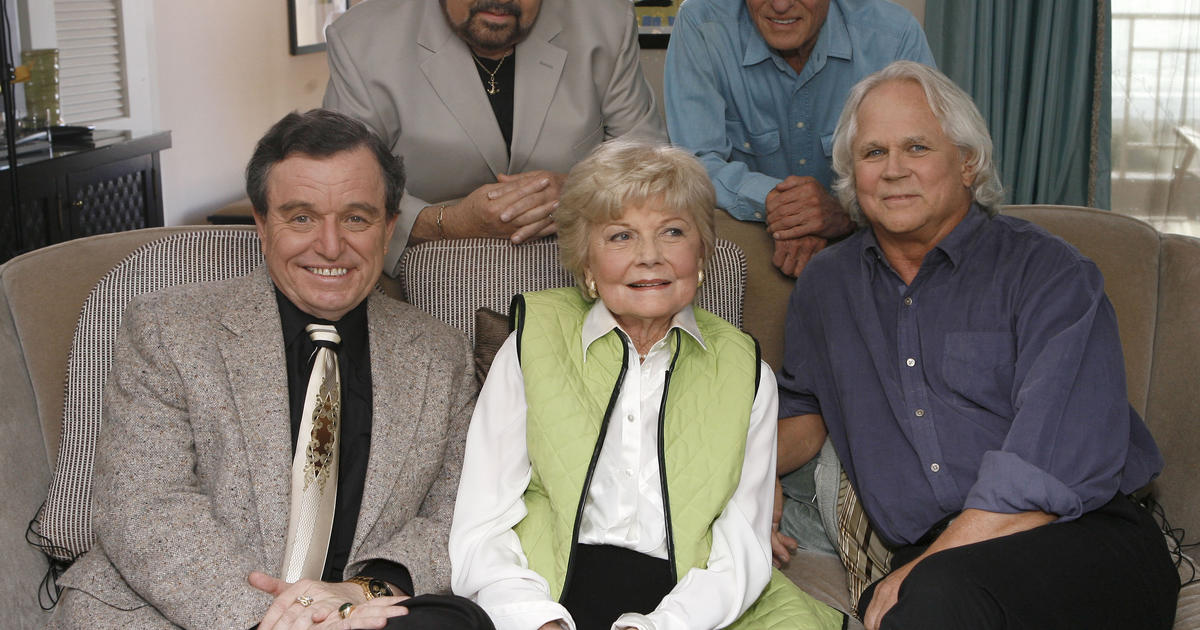 quotleave it to beaverquot actor frank bank dies cbs news