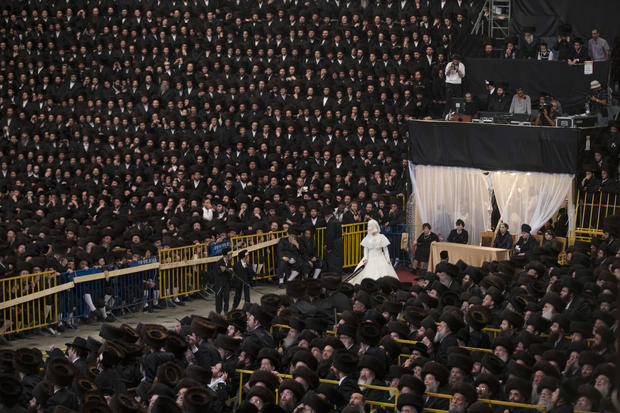 Massive wedding in Jerusalem