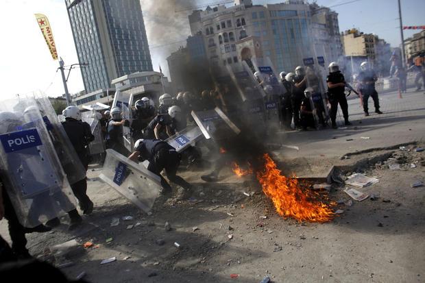 Massive protests continue in Turkey
