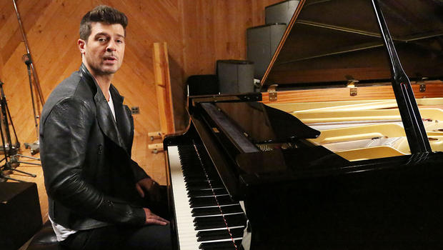 """Robin Thicke notches first-ever No. 1 album with """"Blurred ..."""