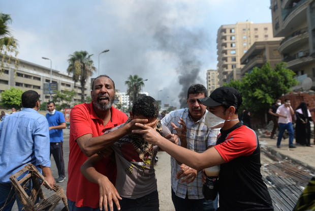 Egypt forces launch bloody siege to clear Morsi backers