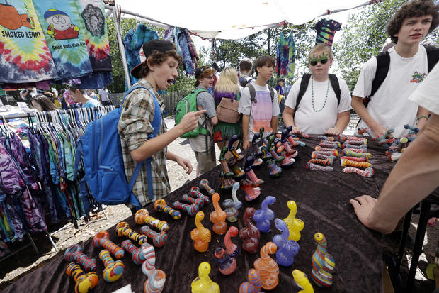 """Police hand out snacks at """"Hempfest"""""""