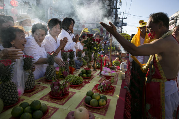 "Humans ""skewered"" at vegetarian festival"