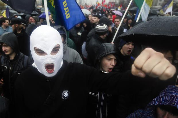 Russian nationalists march in Moscow