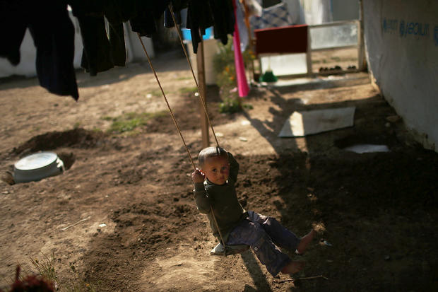 Syrian refugees flood Lebanon