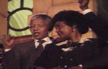 1990: Nelson Mandela released from prison