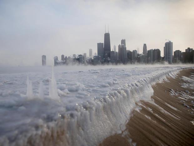 ice_freeze_chicago_46102110.jpg