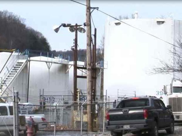 弗兰克林工业公司位于弗吉尼亚州查尔斯顿的工厂化学泄漏进入埃尔克河,促使九个县中没有人使用自来水洗澡,喝水或洗衣服