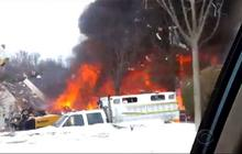 Gas line explosion at N.J. townhouse complex kills one