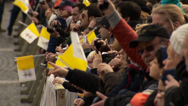 教皇,crowds.jpg