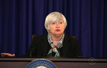 Fed says economy still sending mixed signals