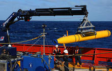 Flight 370 search gets help from underwater robot