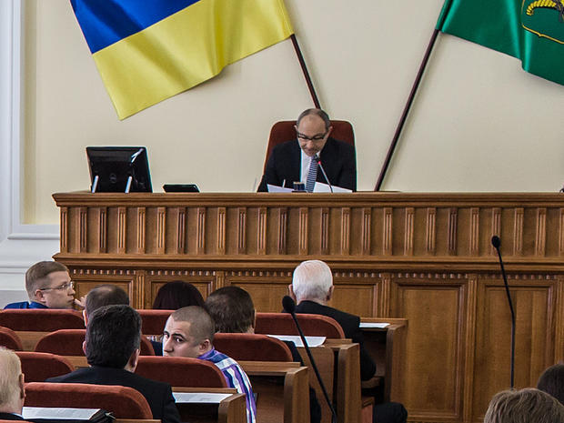 Kharkiv Mayor Gennady Kernes chairs a city council meeting