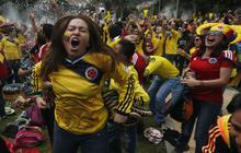 Fans worldwide watch World Cup