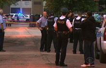 Bloody weekend in Chicago centers around gangs, guns