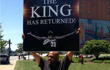 LeBron James heads back to Cleveland