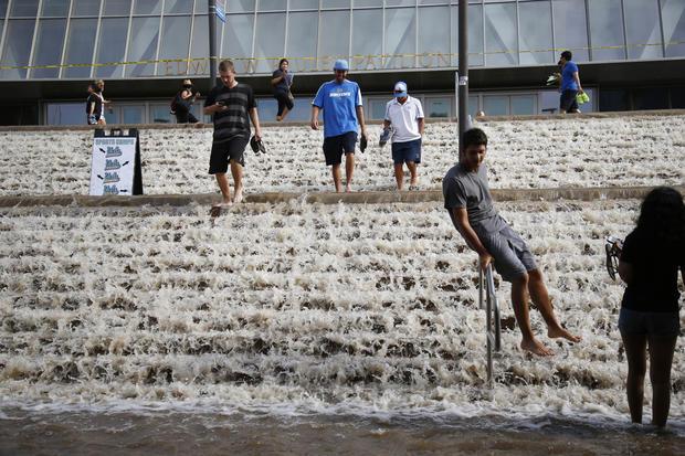 Broken water main floods UCLA