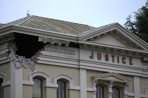 Strong earthquake knocks Napa Valley