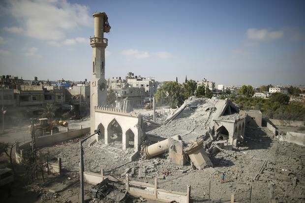 General view of remains of mosque witnesses said was hit by Israeli air strike in Beit Hanoun in northern Gaza Strip on August 25, 2014