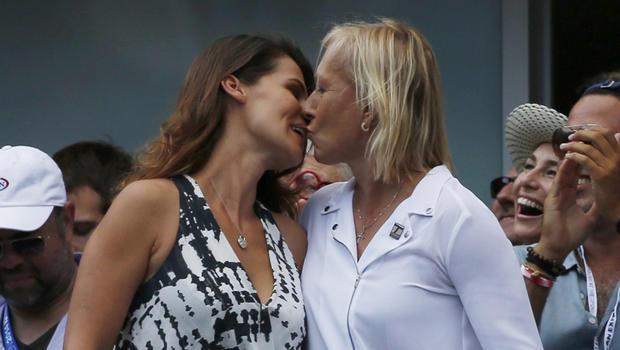 玛蒂娜 -  kiss.jpg