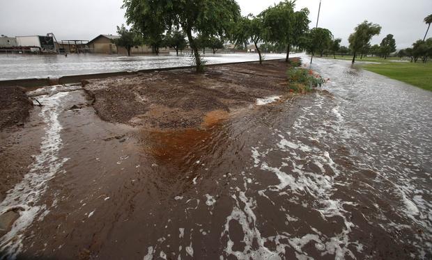 Heavy rains flood Phoenix