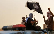 ISIS militants flee Iraqi village