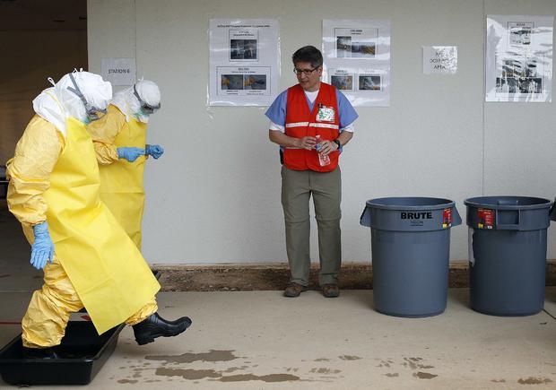 2014-10-08t090102z1860917220gm1eaa813wr01rtrmadp3health埃博拉病毒-USA-training.jpg