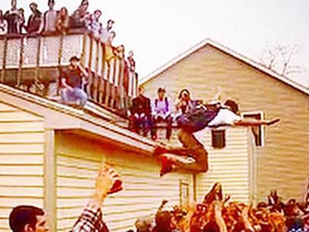 基恩 - 屋顶jumper.jpg
