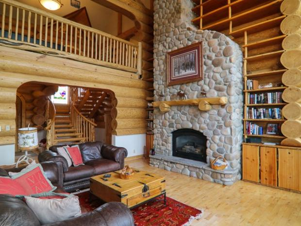 Soda springs california 10 luxurious log cabins on the for Crested butte cabins