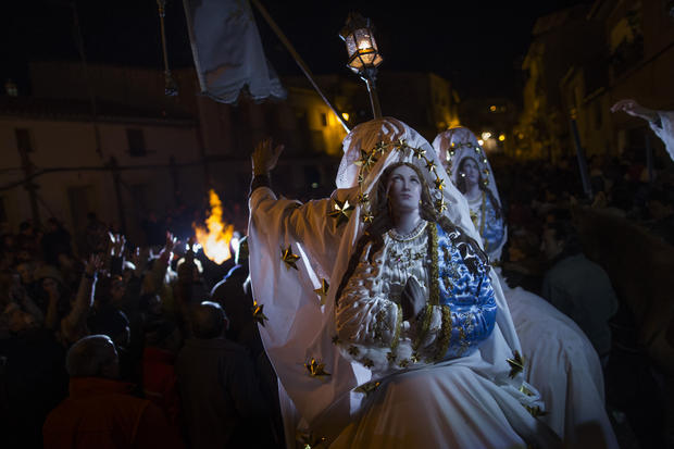 "Spain's ""La Encamisa"" Festival"