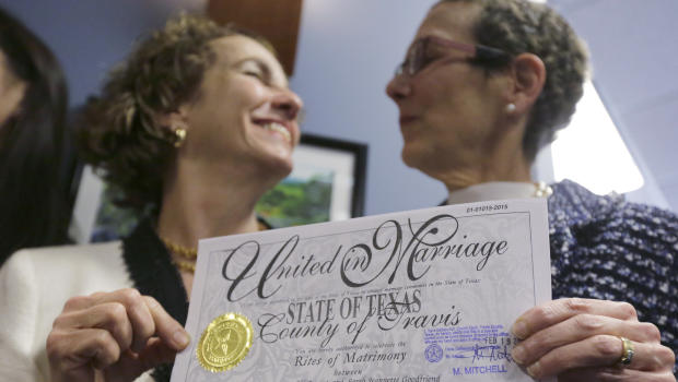Justices side with same-sex couples in Arkansas suit