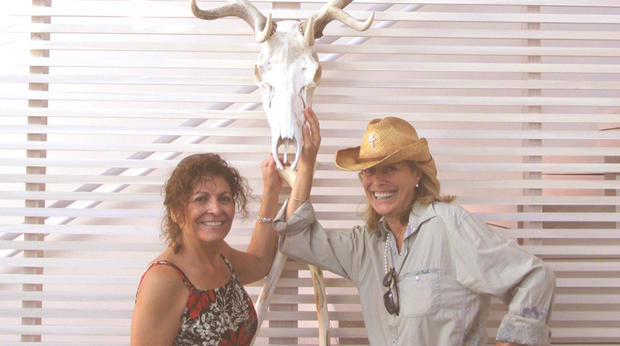 Kathy Carpenter,左,和Nancy Pfister