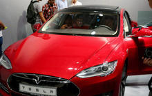 Tesla to address concerns over battery life