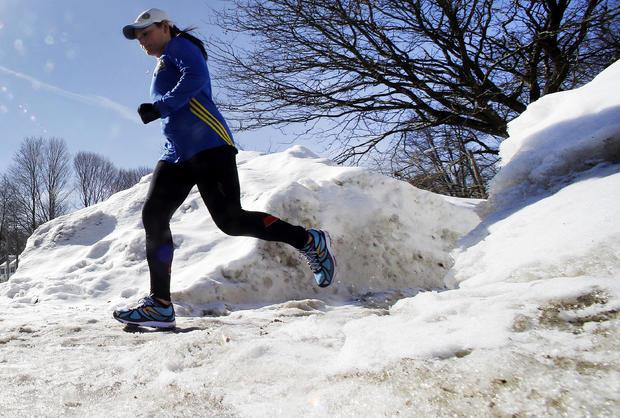 在雪中奔跑