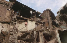 Nepal earthquake survivors frustrated over lack of aid