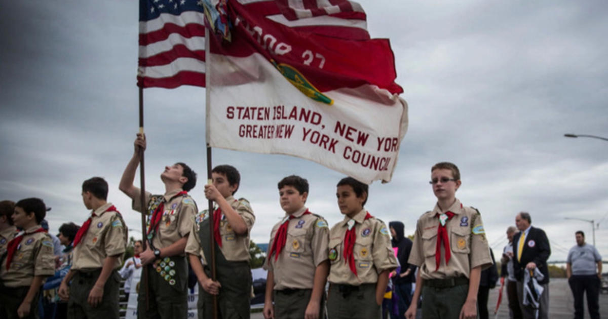 boy scouts president questions ban on gay adults videos cbs news. Black Bedroom Furniture Sets. Home Design Ideas