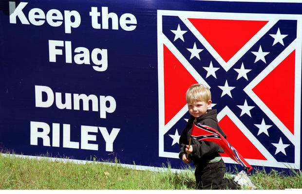 Places the Confederate flag still flies