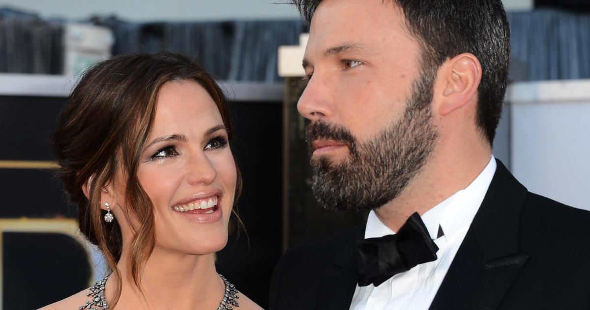 "Ben Affleck on co-parenting with Jennifer Garner: ""We try our best"" - CBS News"
