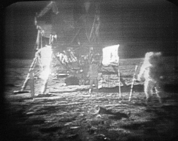 Buzz Aldrin on the moon - President Kennedy's moon shot ...