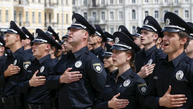ukraine replaces kiev traffic police force with american trained