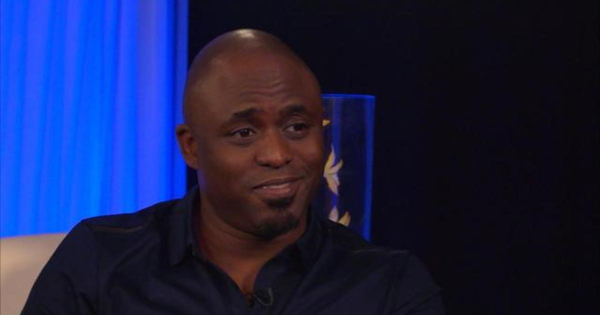 "Cadillac Evening News >> Wayne Brady on starring in ""Kinky Boots"" - Videos - CBS News"