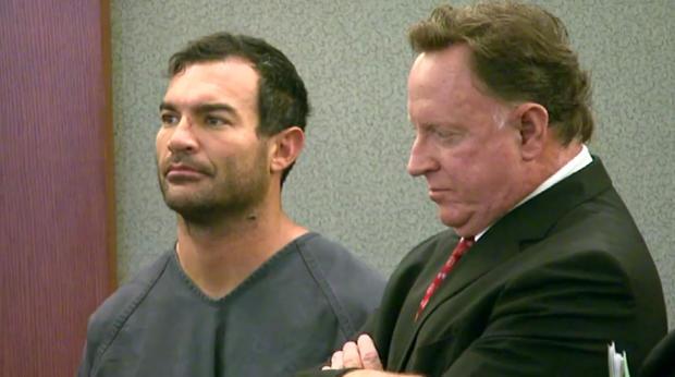 乔治Tiaffay与他的律师在他的提审