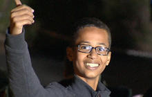 Boy arrested for homemade clock meets President Obama