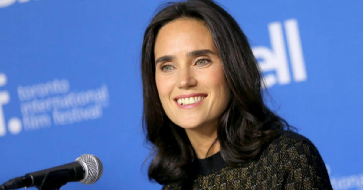 Jennifer Connelly Atto...