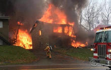 Plane crashes into Ohio apartment building