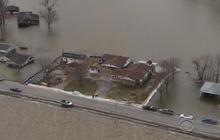 Illinois flooding puts 14,000 acres under water